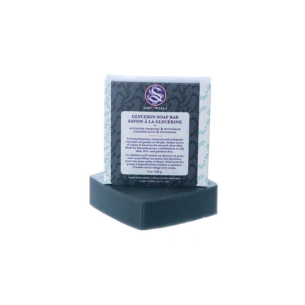 Le savon au charbon de chez soapwalla